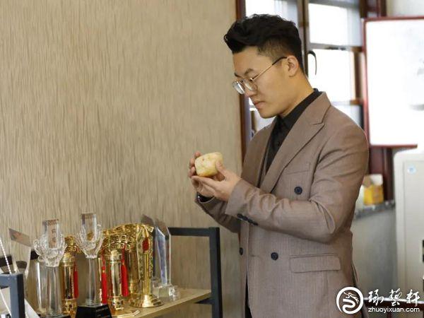 匠人琢玉,智者修心—专访中国玉雕大师李光闯